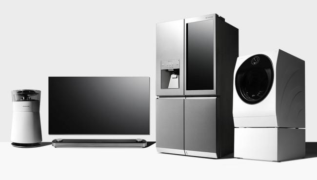 lg presenta la sua nuova gamma signature in italia tv frigo lavasciuga e purificatore d 39 aria. Black Bedroom Furniture Sets. Home Design Ideas