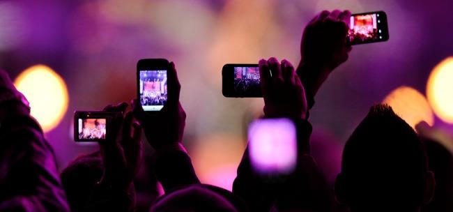 iPhone e iPad, fotocamera out durante concerti ed eventi?
