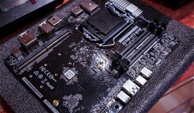 ASRock, una scheda micro-STX per Mini PC potenti