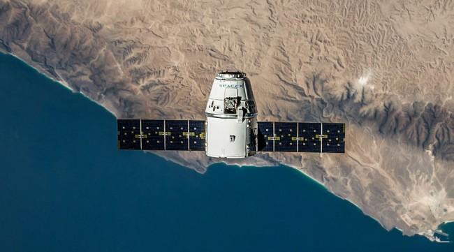 SpaceX, migliaia di satelliti nello spazio per Internet superveloce