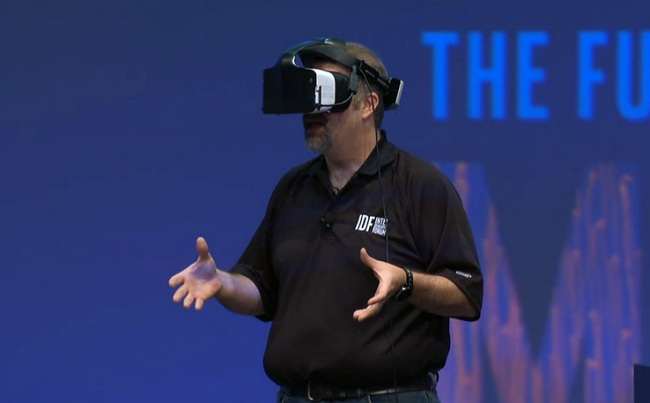 Intel presenta Alloy, visore wireless per la realtà virtuale